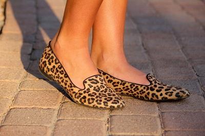 Leopard smoking slippers