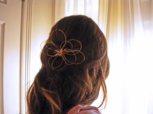 DIY fashion: Wire flower hair piece - finished product