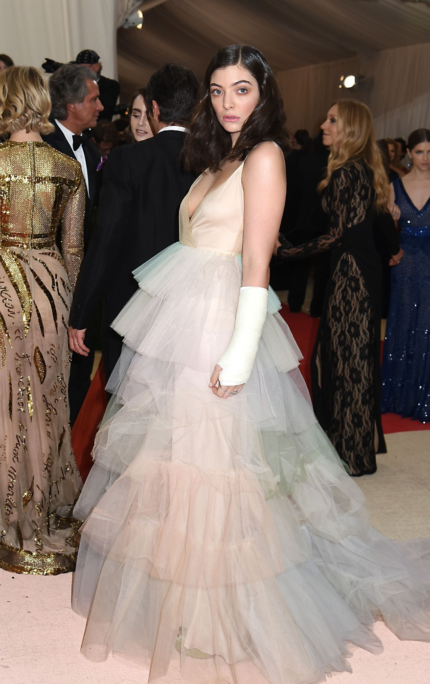 Lorde in Valentino at the 2016 Met Gala