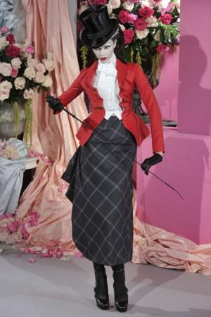 2010-Haute-Couture-Runway-Christian-Dior-2_runway