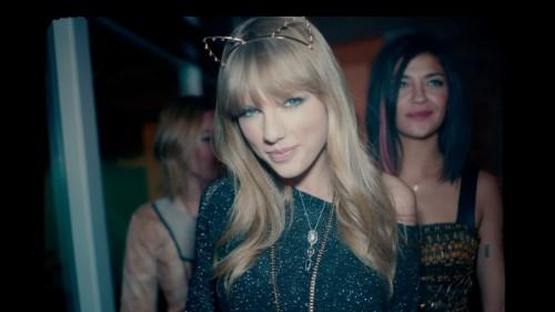 Taylor Swift 22 fashion