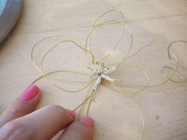 DIY fashion: Wire flower hair piece - step 6