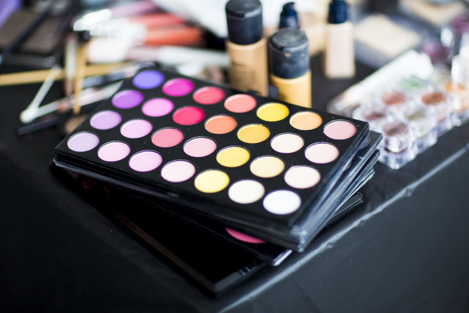 a-palette-of-bright-eyeshadow-makeup
