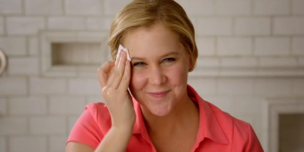 amy schumer taking off her makeup