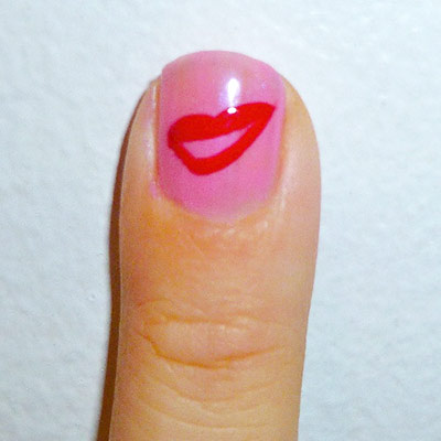 Andy Warhol-inspired Manicure: Marilyn Monroe lips nail step 3