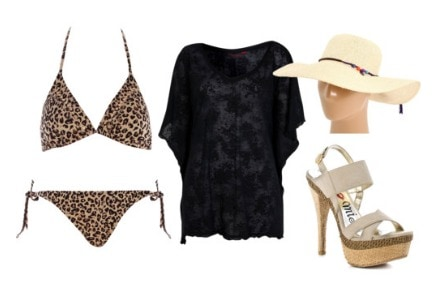 Animal print outfit: leopard swimsuit