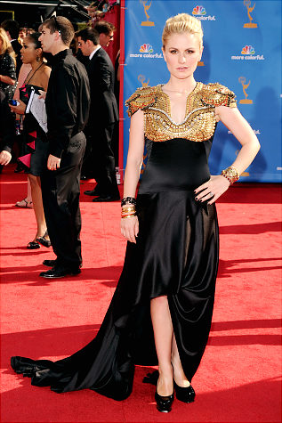 Anna Paquin Emmy Look