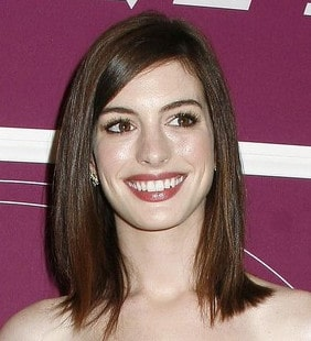 Anne Hathaway Has Fabulous Locks No Matter Where She Is!