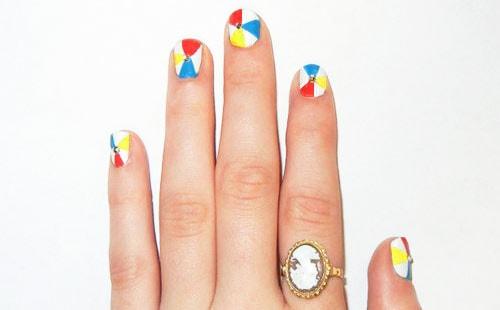 Summer nail art inspired by beach balls