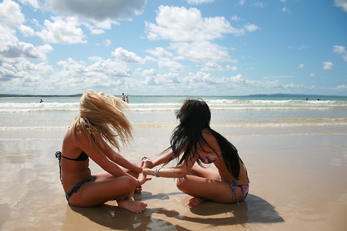 beach_friends