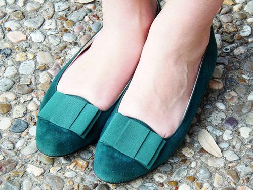 emerald bow flats