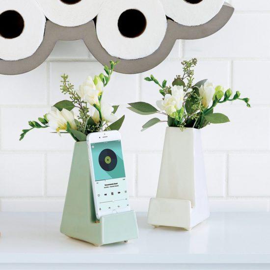 Gift ideas for parents: Bedside Smartphone Vase