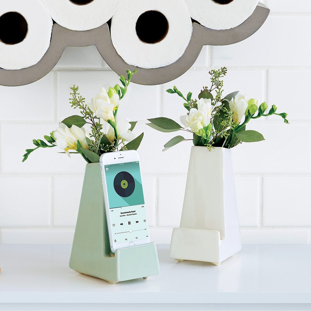 Gift ideas for parents: Bedside Smartphone Vase