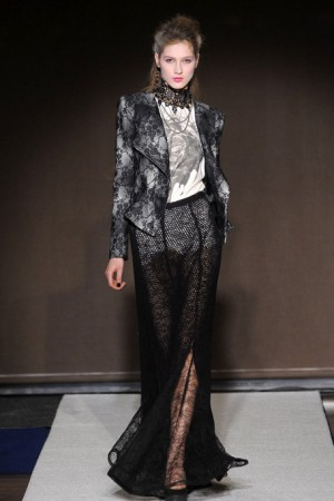 Bensoni Pattern Blazer with Tee and Lace Maxi