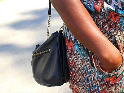 Black purse street style