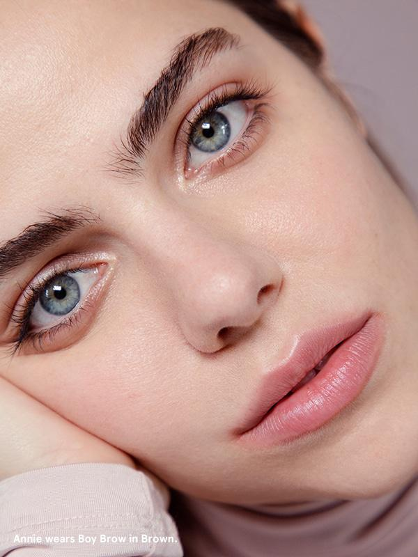 Annie from Glossier wearing Boy Brow