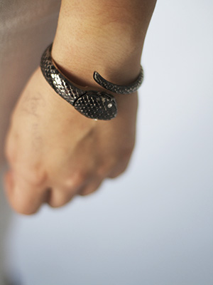College street style - snake watch