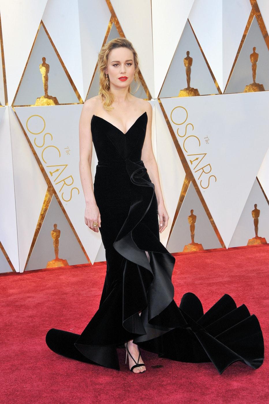 Brie Larson in Oscar de la Renta at the 2017 Oscars