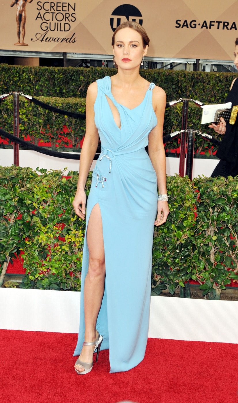 Brie Larson in Atelier Versace at the 2016 SAG Awards