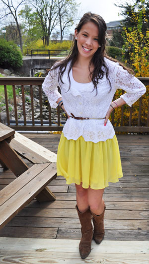 College style at Bucknell University - Yellow skirt, lace top, belt at the waist, cowboy boots