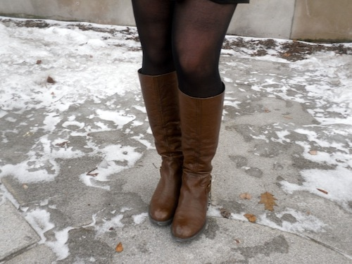 Student street style trend at Syracuse University: Basic boots