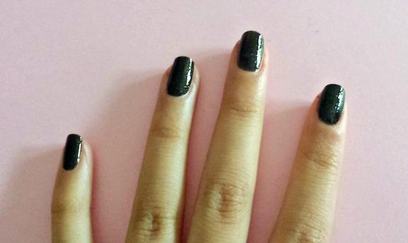 Chalkboard nails step 1