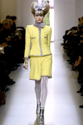 Chanel Spring 2010 Couture - Look 4