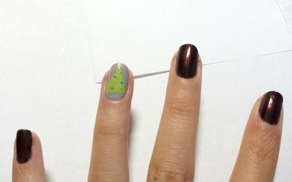 Christmas tree nail art step 4 part 1