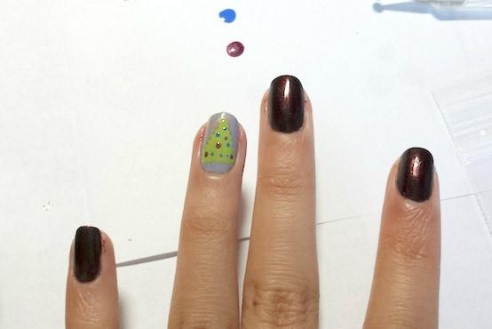 Christmas tree nail art step 4 part 2