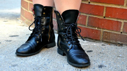 College fashionista Colleen rocking lace-up boots