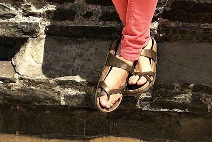 College fashion trend birkenstocks