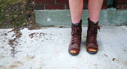 College fashion trend combat boots
