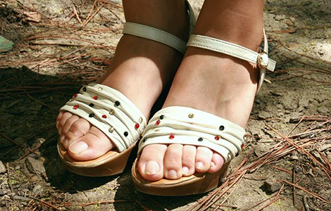 College fashion trend flatform sandals