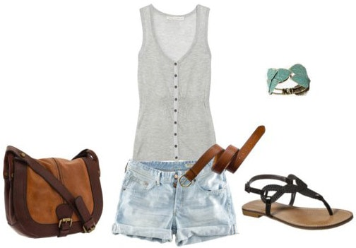 College orientation outfit 1: Gray tank, sandals, leather accessories