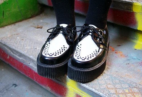 College shoe trend creepers