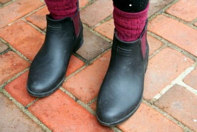 College street style trend chelsea boots