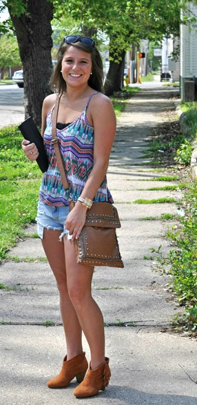 College street style trends at Indiana state university