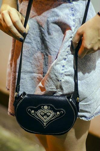 College student fashion crossbody bag