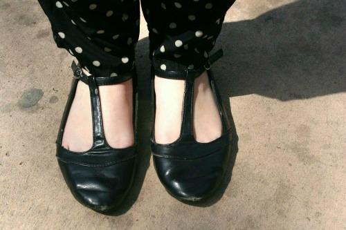 College student fashion trend t strap flats