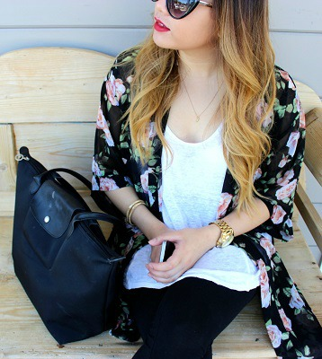 College student wearing kimono trend