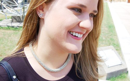 College street style trend: statement necklace and classic earrings