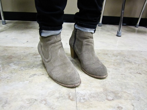 College trend on campus: Suede boots