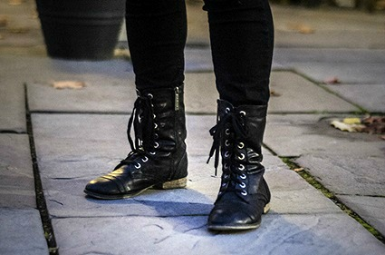 Combat boots college street style trend