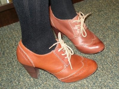 Heeled oxfords trend at the University of Texas Arlington