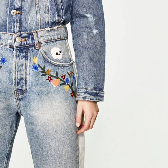 How to wear denim on denim the right way: Example from Zara with embroidered jeans and a denim jacket