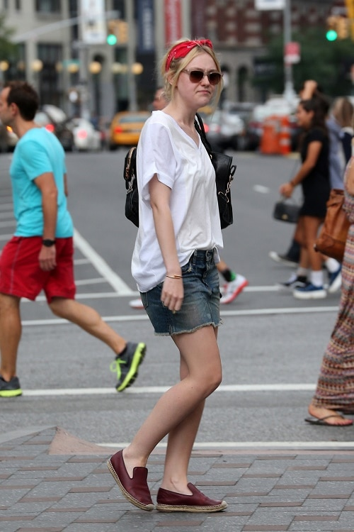 Dakota Fanning denim mini skirt and white tee