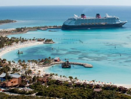 Disney cruise line fashion inspiration