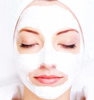 DIY Yogurt Facial Mask