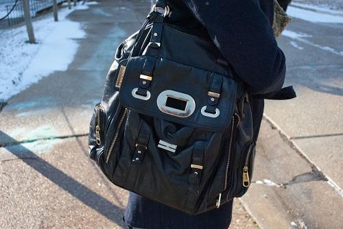 College fashion essential: Shoulder bag