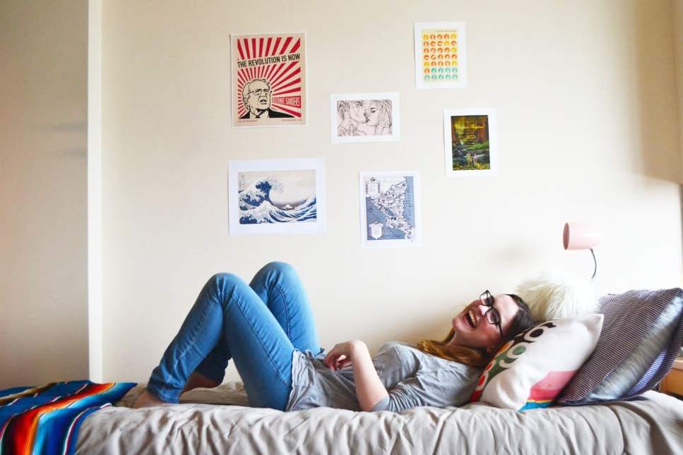 Unique College Dorm Wall Art Ideas to Try in Your Room - College Fashion